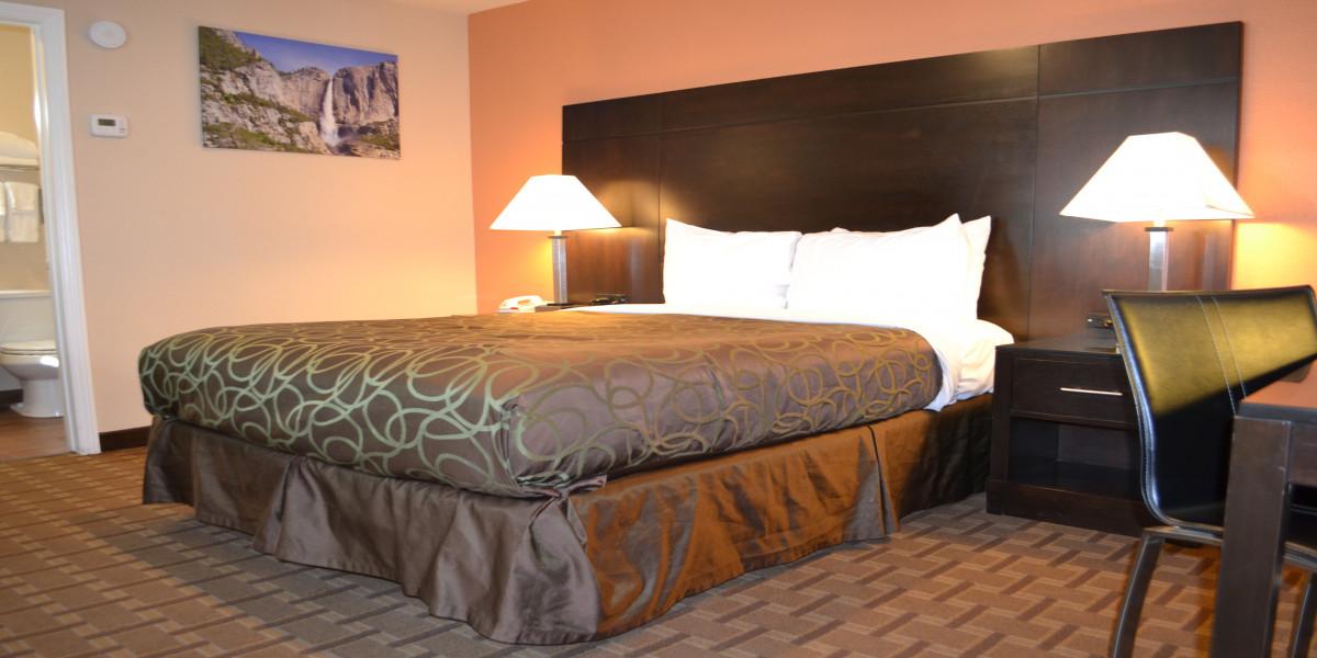 Room 606 - Queen Standard