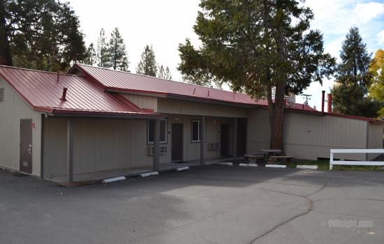 Buck Meadows Lodge - Buck Meadows Lodge - Guest Rooms