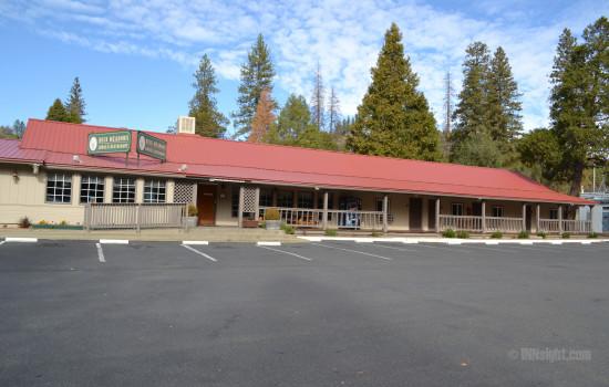 Buck Meadows Lodge - Buck Meadows Restaurant & Lodge