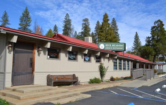 Buck Meadows Lodge - Buck Meadows Restaurant Bar Entrance