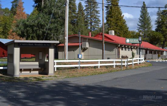 Buck Meadows Lodge - Yarts Bus Stop at Buck Meadows