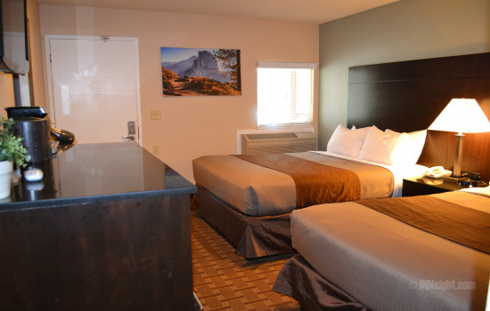 Half Dome - 2 Queen Bedroom
