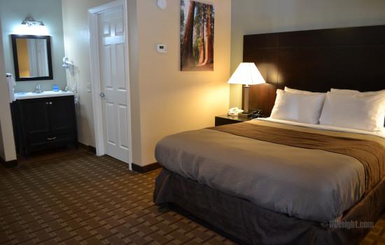 1 Queen Bedroom #603