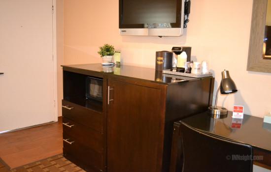 Buck Meadows Lodge - Room 603 Queen Standard Desk Area